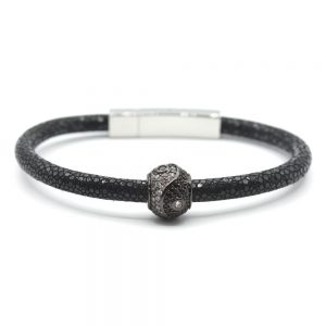 yinyang-black-perl-grey